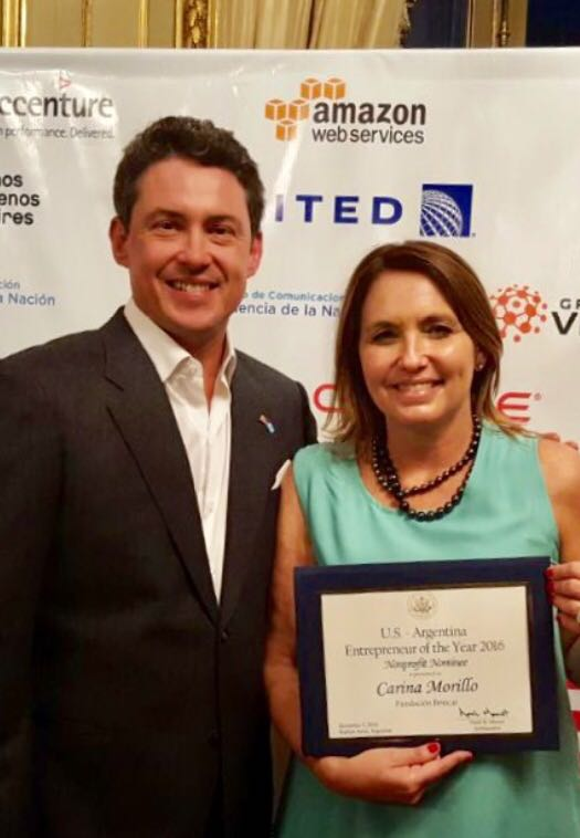 Carina Morillo premiada como emprendedora del año por la Embajada de Estados Unidos